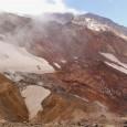Randonnées sur deux des plus impressionnants volcans du Sud Kamchatka, lorsque la fureur des entrailles de la planète se mélange avec la glace et les nuages des sommets... / Halbinsel des Feuers und Eis...Wanderung zu zwei der eindrücklichsten Vulkane im Süden Kamtschatka
